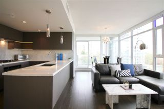 """Photo 1: 707 6538 NELSON Avenue in Burnaby: Metrotown Condo for sale in """"THE MET2"""" (Burnaby South)  : MLS®# R2399182"""