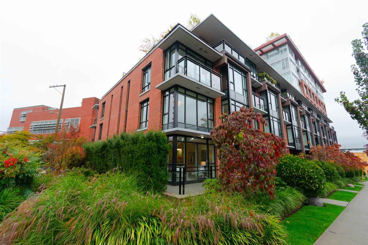 """Main Photo: TH1 2399 SCOTIA Street in Vancouver: Mount Pleasant VE Townhouse for sale in """"SOCIAL"""" (Vancouver East)  : MLS®# R2350537"""