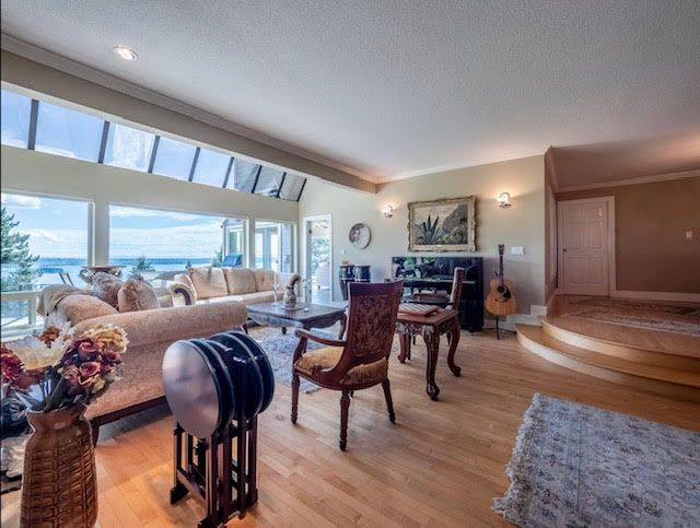 Photo 5: Photos: 2426 Westhill Court Upper in West Vancouver: Westhill House for rent
