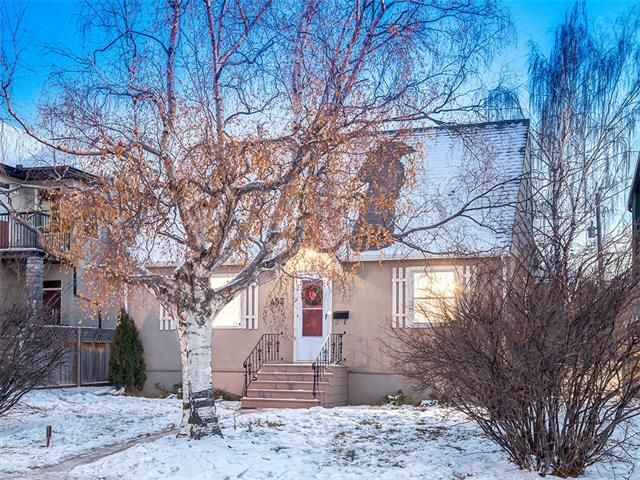 Main Photo: 453 29 Avenue NW in Calgary: Mount Pleasant House for sale : MLS®# C4091200