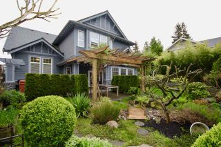 "Photo 1: 5398 SPETIFORE Crescent in Delta: Tsawwassen Central House for sale in ""SPETIFORE"" (Tsawwassen)  : MLS®# R2458602"