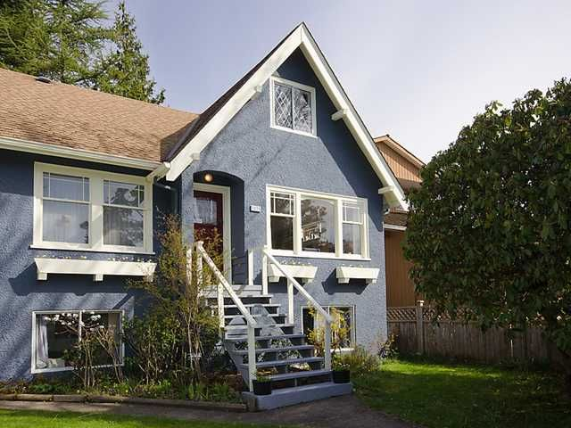 """Main Photo: 3835 W 24TH Avenue in Vancouver: Dunbar House for sale in """"DUNBAR"""" (Vancouver West)  : MLS®# V884363"""