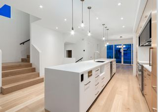 Photo 11: 1110 17 Avenue NW in Calgary: Capitol Hill Detached for sale : MLS®# A1151386