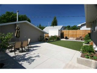 Photo 17: 1111 HUNTERSTON Road NW in CALGARY: Huntington Hills Residential Detached Single Family for sale (Calgary)  : MLS®# C3624233