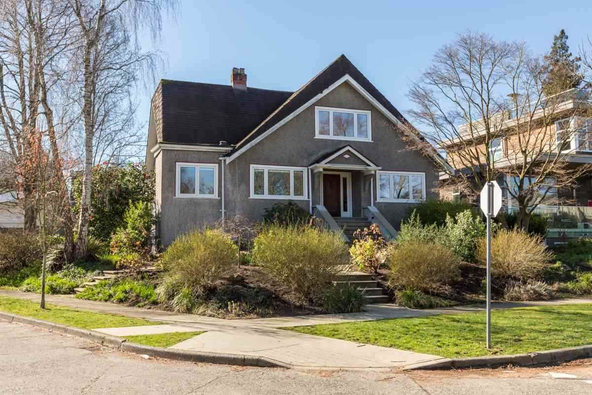Main Photo: 4208 W 9TH Avenue in Vancouver: Point Grey House for sale (Vancouver West)  : MLS®# R2526479