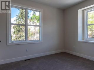 Photo 15: 383 TOWNLEY STREET in Penticton: House for sale : MLS®# 183468