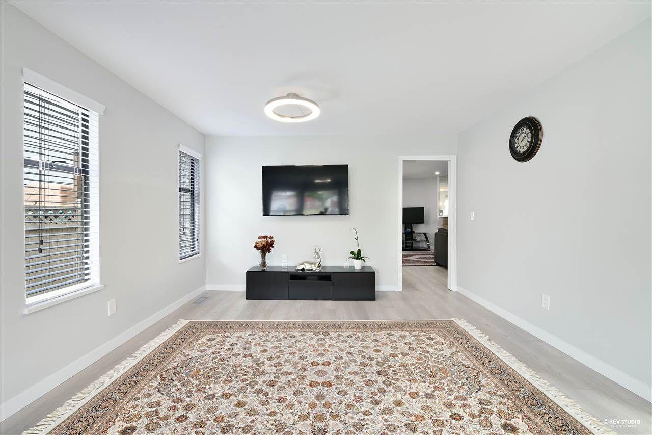 Photo 4: Photos: 15423 93 Avenue in Surrey: Fleetwood Tynehead House for sale : MLS®# R2488101