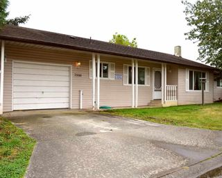 Photo 1: 7500 MAPLE Crescent: Agassiz House for sale : MLS®# R2106314