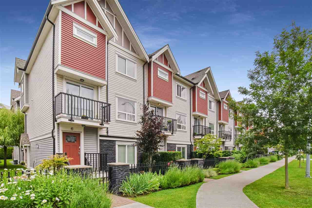 """Main Photo: 5 14177 103 Avenue in Surrey: Whalley Townhouse for sale in """"The Maple"""" (North Surrey)  : MLS®# R2470471"""