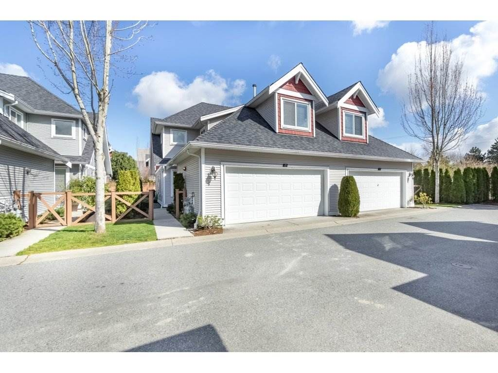 "Main Photo: 10 19977 71 Avenue in Langley: Willoughby Heights Townhouse for sale in ""Sandhill village"" : MLS®# R2252290"