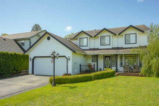 Photo 1: 35033 KOOTENAY Drive in Abbotsford: Abbotsford East House for sale : MLS®# R2452148