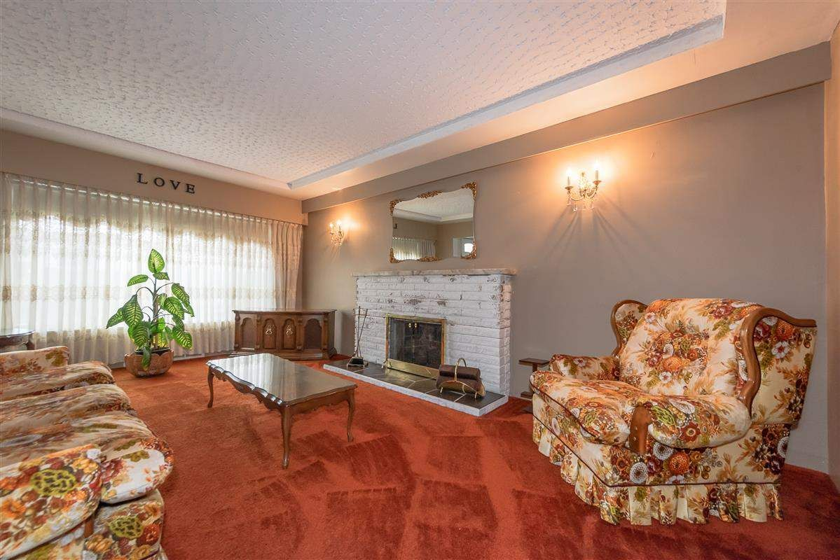 Photo 4: Photos: 3875 LILLOOET Street in Vancouver: Renfrew Heights House for sale (Vancouver East)  : MLS®# R2375620