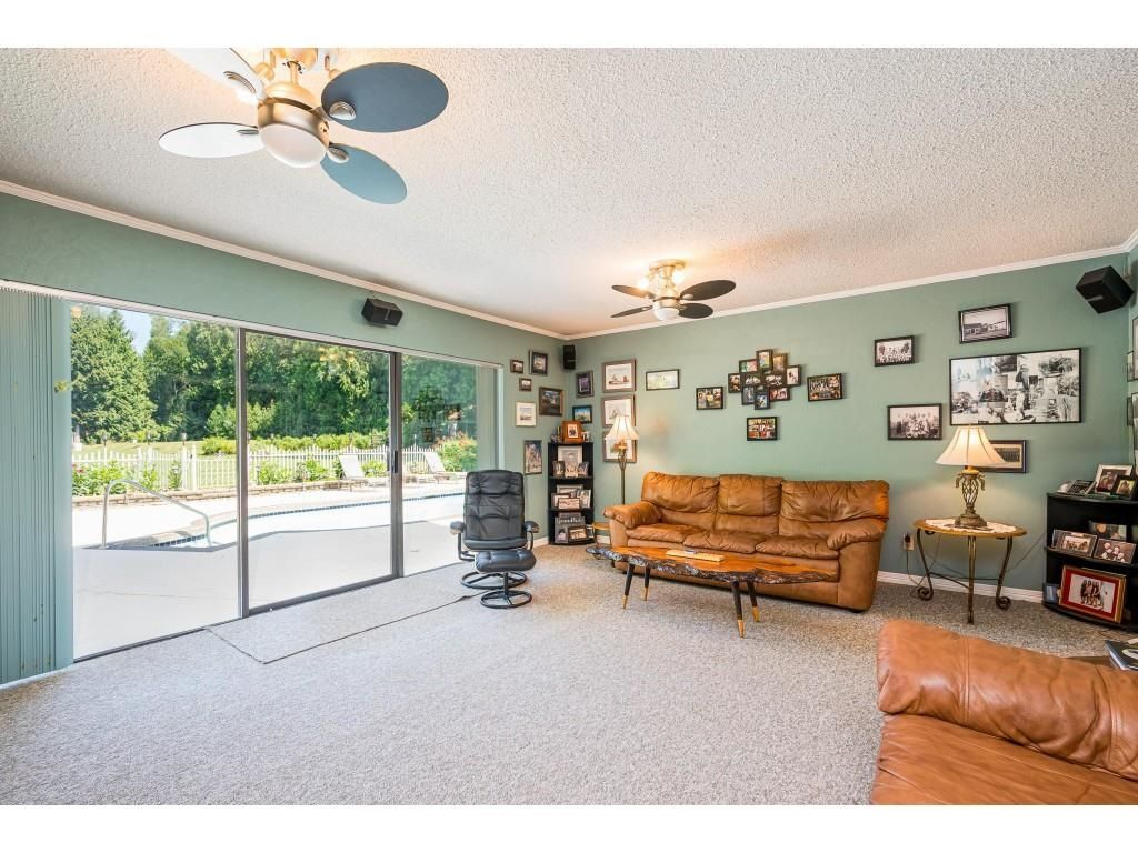 Photo 12: Photos: 26019 58 Avenue in Langley: County Line Glen Valley House for sale : MLS®# R2599684