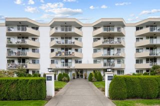 Photo 1: 304 1148 Goodwin St in : OB South Oak Bay Condo for sale (Oak Bay)  : MLS®# 853637