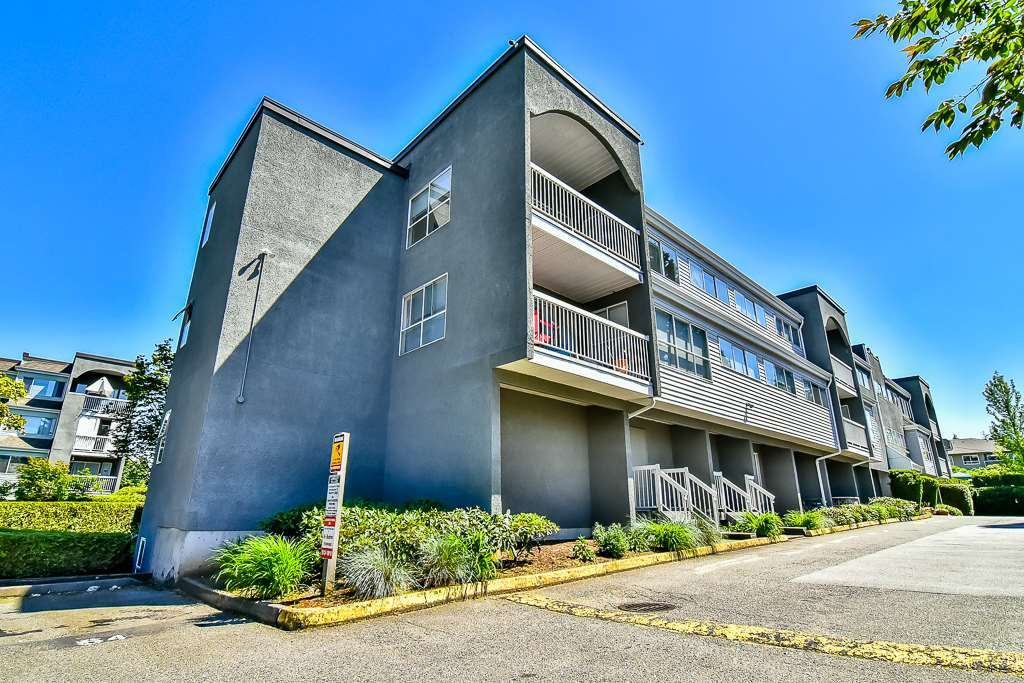 "Main Photo: 105 5664 200 Street in Langley: Langley City Condo for sale in ""LANGLEY VILLAGE"" : MLS®# R2171673"