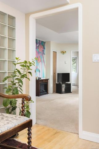 Photo 30: 986 Fir Tree Glen in : SE Broadmead House for sale (Saanich East)  : MLS®# 881671