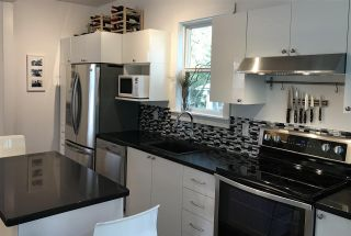 Photo 5: 2124 PRINCE EDWARD Street in Vancouver: Mount Pleasant VE House for sale (Vancouver East)  : MLS®# R2240136