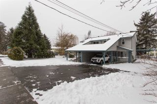 Photo 3: 6175 184 Street in Surrey: Cloverdale BC 1/2 Duplex for sale (Cloverdale)  : MLS®# R2539130