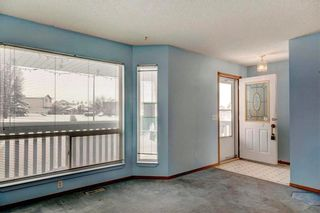 Photo 3: 254 SARATOGA Close NE in Calgary: Monterey Park House for sale : MLS®# C4165371