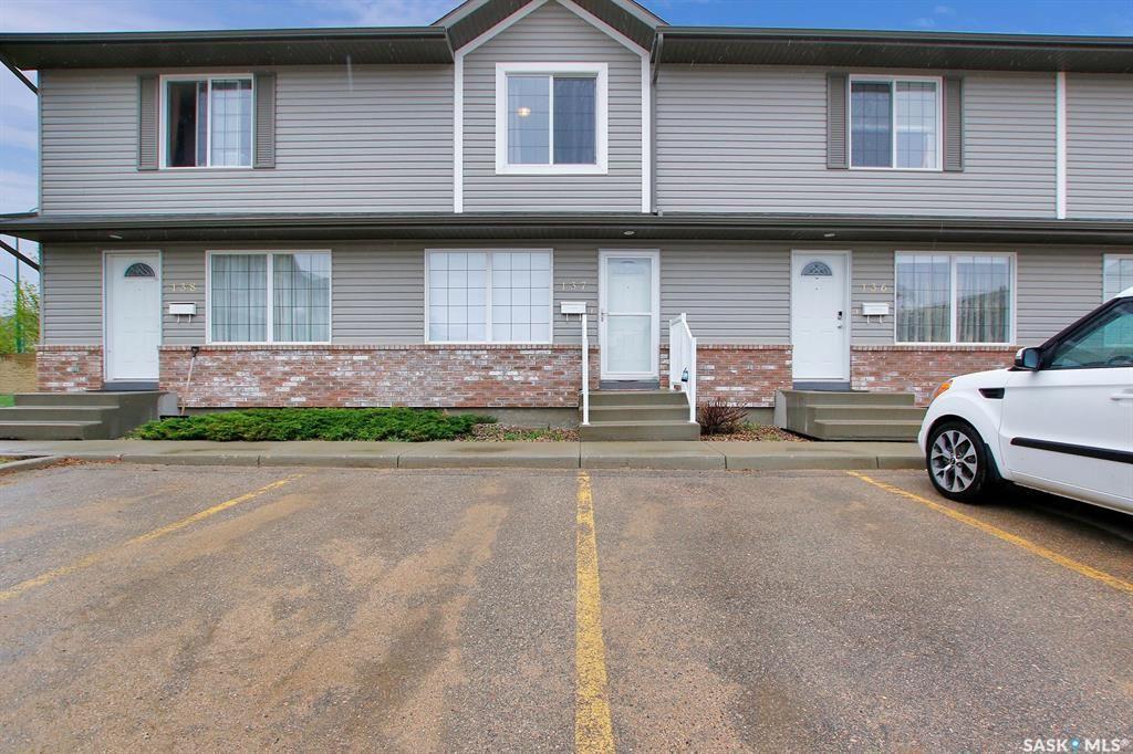 Main Photo: 137 4801 Child Avenue in Regina: Lakeridge RG Residential for sale : MLS®# SK855685