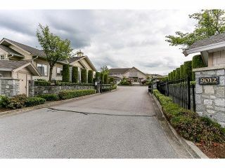 "Photo 20: 5 9012 WALNUT GROVE Drive in Langley: Walnut Grove Townhouse for sale in ""QUEEN ANNE GREEN"" : MLS®# F1413669"