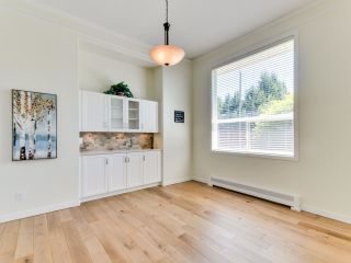 "Photo 5: 5812 185A Street in Surrey: Cloverdale BC House for sale in ""Cloverdale Hilltop"" (Cloverdale)  : MLS®# R2335126"