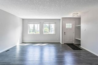 Photo 5: 7203 Fleetwood Drive SE in Calgary: Fairview Detached for sale : MLS®# A1129762