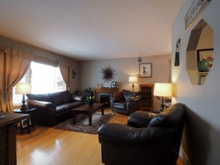 Photo 2: 10 Radisson Avenue in Portage la Prairie: House for sale : MLS®# 202103465