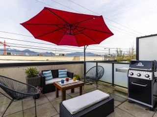 """Photo 17: 312 1647 E PENDER Street in Vancouver: Hastings Townhouse for sale in """"The Oxley"""" (Vancouver East)  : MLS®# R2555021"""