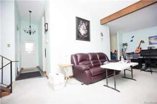 Photo 2: 91 North Lake Drive in Winnipeg: Crestview Residential for sale (5H)  : MLS®# 1731106