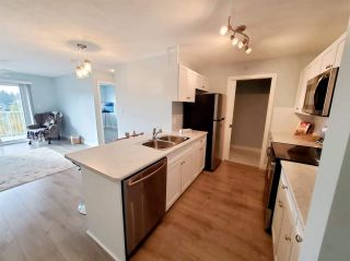 """Photo 7: 407 33960 OLD YALE Road in Abbotsford: Central Abbotsford Condo for sale in """"OLD YALE HEIGHTS"""" : MLS®# R2499608"""