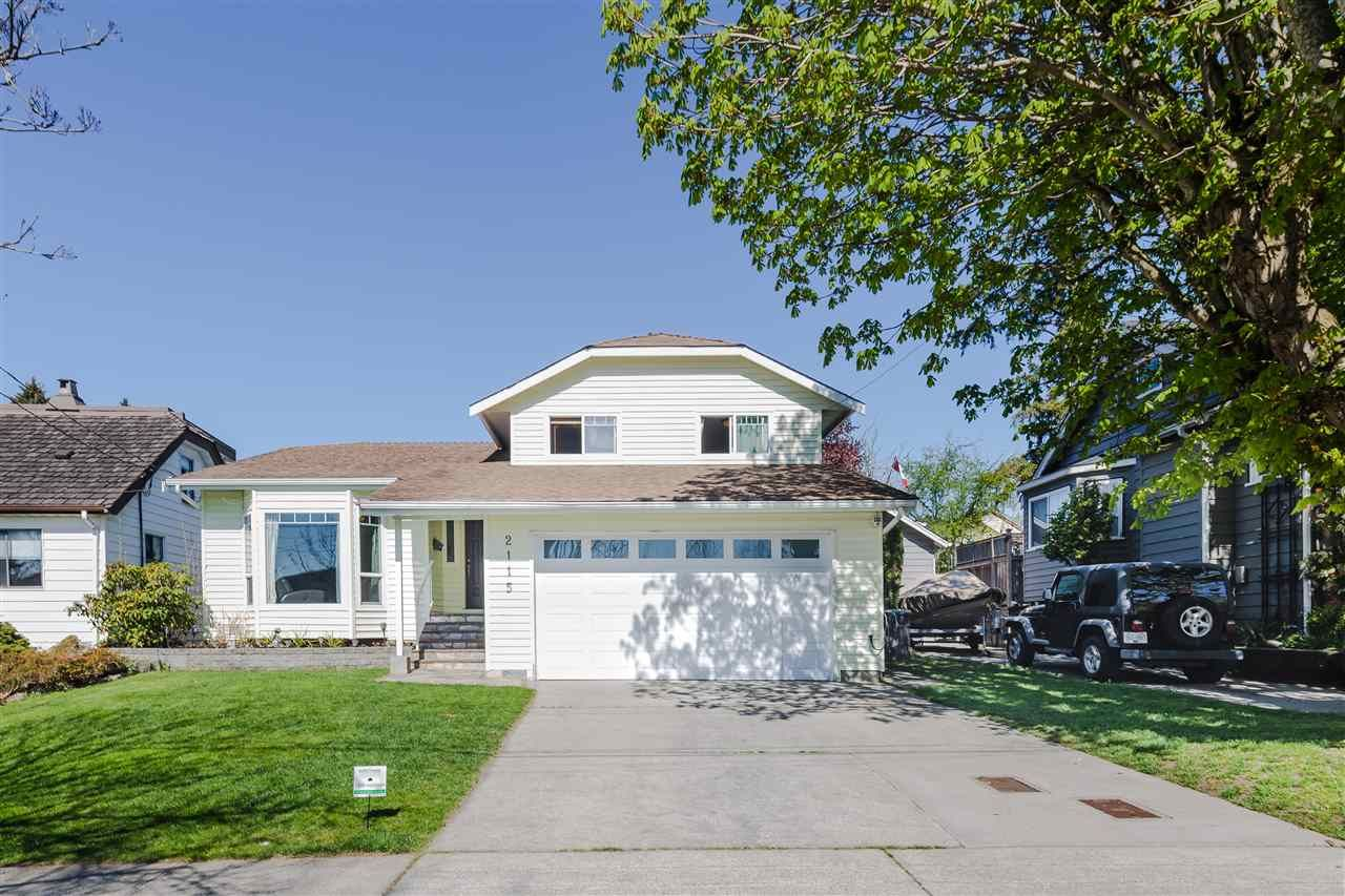 Main Photo: 2115 LONDON Street in New Westminster: Connaught Heights House for sale : MLS®# R2566850