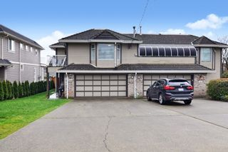 Photo 2: 15374 SEMIAHMOO Avenue: 1/2 Duplex for sale in White Rock: MLS®# R2527208