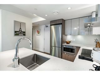 """Photo 12: 1009 1788 COLUMBIA Street in Vancouver: False Creek Condo for sale in """"EPIC AT WEST"""" (Vancouver West)  : MLS®# R2549911"""