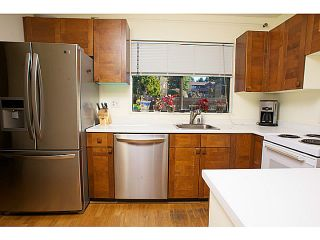 """Photo 3: 865 OLD LILLOOET Road in North Vancouver: Lynnmour Townhouse for sale in """"LYNNMOUR VILLAGE"""" : MLS®# V991952"""