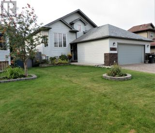 Photo 1: 106 Mackay Crescent in Hinton: House for sale : MLS®# A1142460