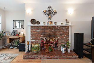 Photo 3: 101 2250 Manor Pl in : CV Comox (Town of) Condo for sale (Comox Valley)  : MLS®# 866765
