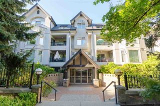"Photo 1: 306 55 E 10TH Avenue in Vancouver: Mount Pleasant VE Condo for sale in ""Abbey Lane"" (Vancouver East)  : MLS®# R2491184"