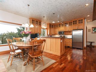 Photo 9: 922 Latoria Rd in VICTORIA: La Olympic View House for sale (Langford)  : MLS®# 823332