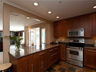 """Photo 2: 405 1000 BOWRON Court in North Vancouver: Roche Point Condo for sale in """"BOWRON COURT"""" : MLS®# V847052"""