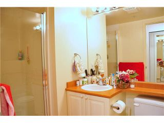 Photo 8: 302 3070 Guildford Way in Coquitlam: North Coquitlam Condo for sale : MLS®# V1126460