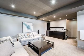 Photo 39: 2203 13 Street NW in Calgary: Capitol Hill Semi Detached for sale : MLS®# A1151291