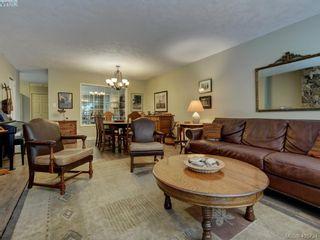 Photo 8: 1017 Scottswood Lane in VICTORIA: SE Broadmead House for sale (Saanich East)  : MLS®# 806228