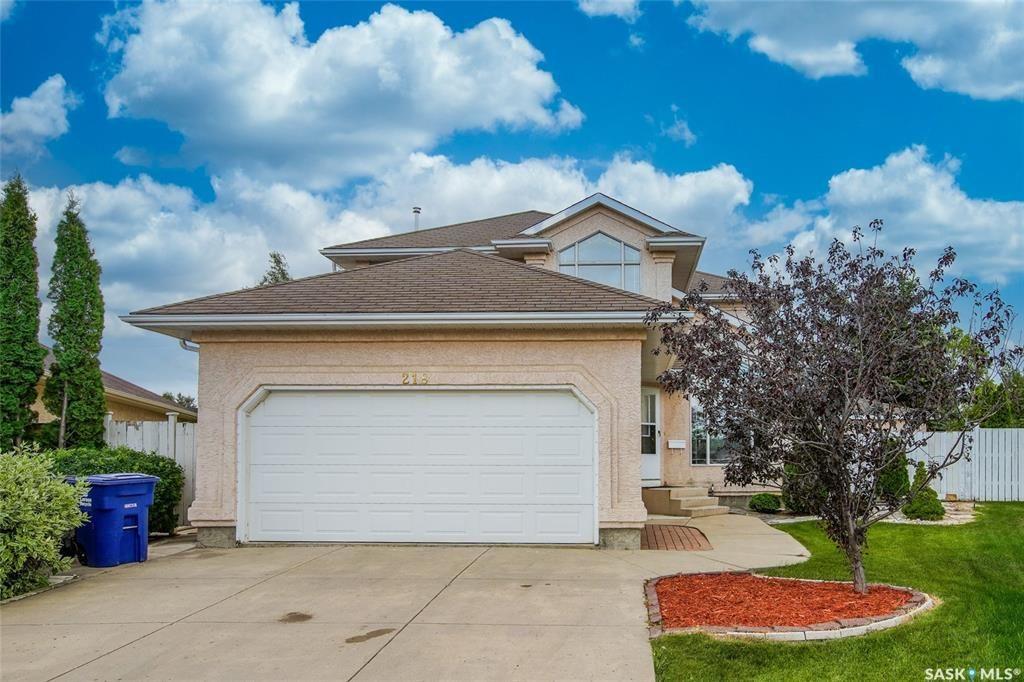Main Photo: 218 Morrison Court in Saskatoon: Arbor Creek Residential for sale : MLS®# SK821914
