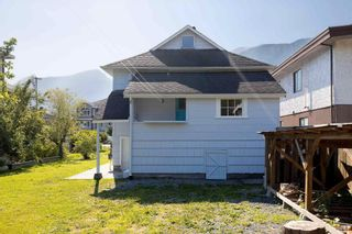 Photo 5: 38023 FIFTH Avenue in Squamish: Downtown SQ House for sale : MLS®# R2600547