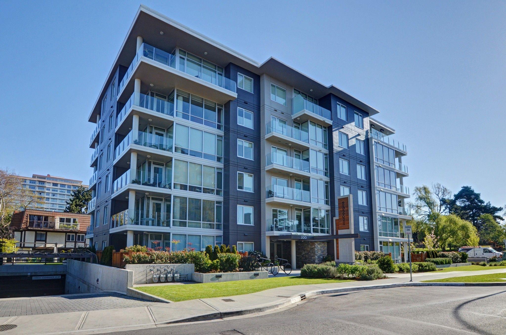 Main Photo: 105 200 Douglas St in VICTORIA: Vi James Bay Condo for sale (Victoria)  : MLS®# 832368