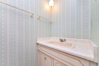 Photo 15: 303 1792 Rockland Ave in : Vi Rockland Condo for sale (Victoria)  : MLS®# 860533