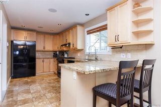 Photo 11: 3225 Mallow Crt in VICTORIA: La Walfred House for sale (Langford)  : MLS®# 836201