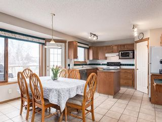 Photo 7: 304 RIVERVIEW Close SE in Calgary: Riverbend Detached for sale : MLS®# C4242495