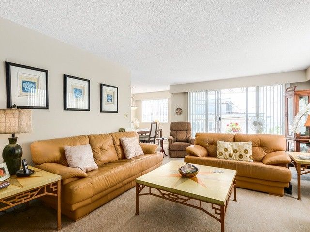 """Photo 4: Photos: 203 15010 ROPER Avenue: White Rock Condo for sale in """"Baycrest"""" (South Surrey White Rock)  : MLS®# F1417713"""